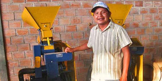 Machine à écosser le riz
